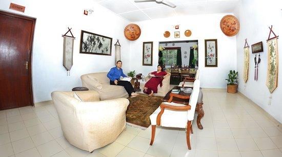 Wild Mahseer: Living Room at Golden Tips