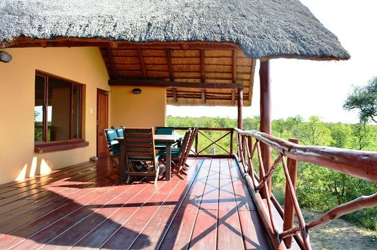 Silonque Bush Estate: Deck 3 bedroomhouse overlooking Kruger NP