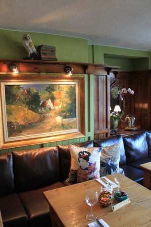 The Fountain Inn Gastro Pub: Fountain Inn seating