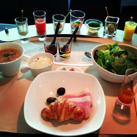 Arcana Izu: Breakfast