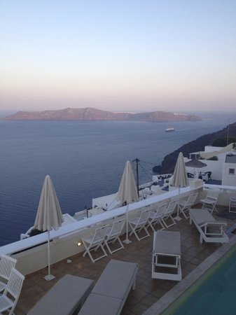 Villa Ilias Caldera Hotel: Santorini Villa Ilias Views At Dawn
