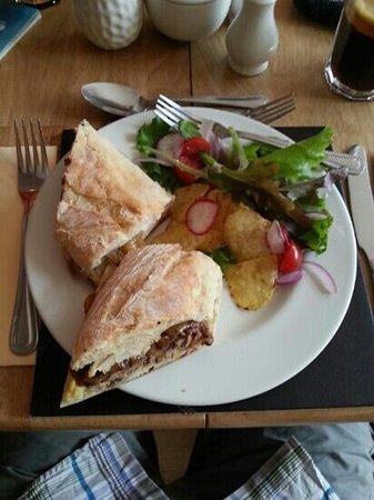 La Cantina: Steak sandwich