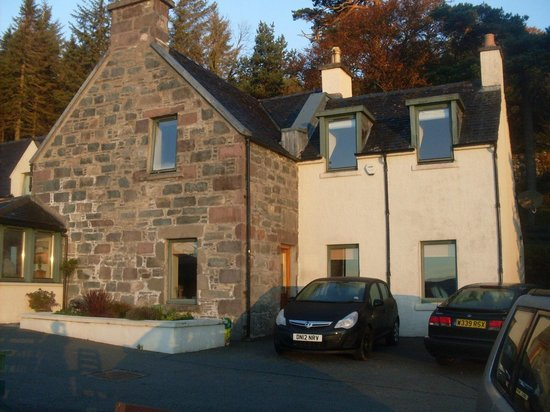 Balmacara Mains Guesthouse: The Bed & Breakfast Exterior