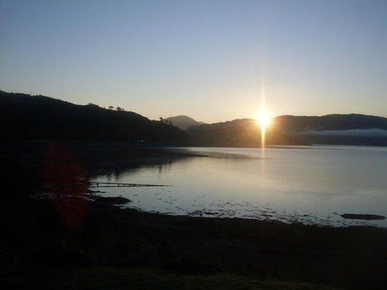 Balmacara Mains Guesthouse: The view outside of the Bed and Breakfast