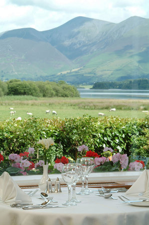 Lodore Falls Lake View Restaurant: The beautiful view to Skiddaw across Derwentwater