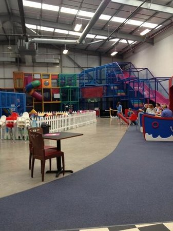 Happy days soft play