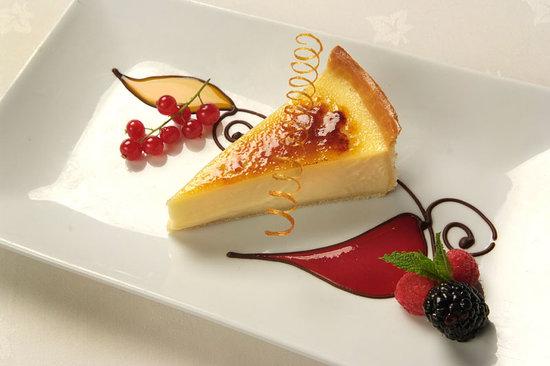 Lodore Falls Lake View Restaurant: The Lodore's famous lemon tart