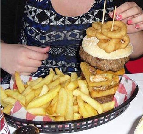 Oscars Diner: The Titanic Burger!