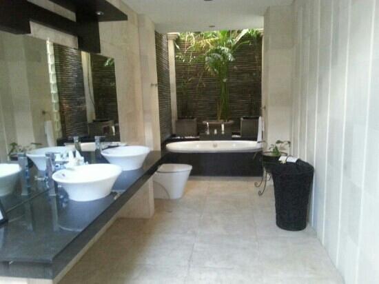 Villa Harmony: bathrooms are lovely