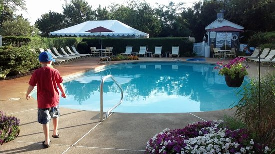The Seaglass Inn & Spa : By the pool.....