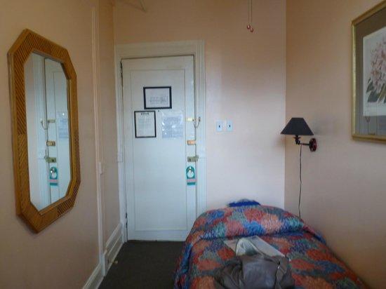 Larchmont Hotel: Chambre pour solo