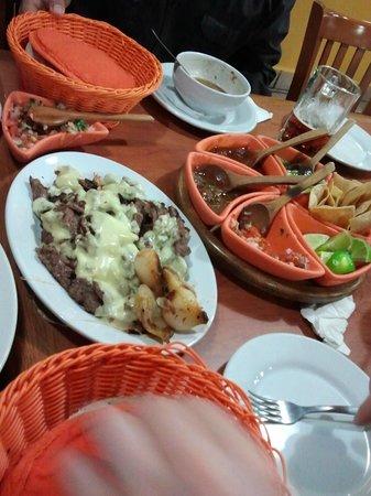 Los Giros : Very generous portions