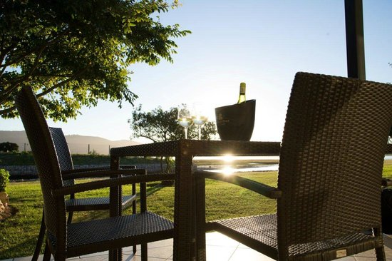 Premier Hotel Knysna – The Moorings: Waterfront Villa Terrace