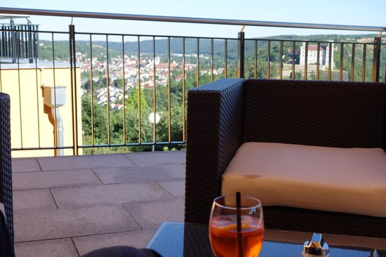 Wellnesshotel Schonblick Eichstatt : Aperol Spritz und schöner Blick auf der Terrasse