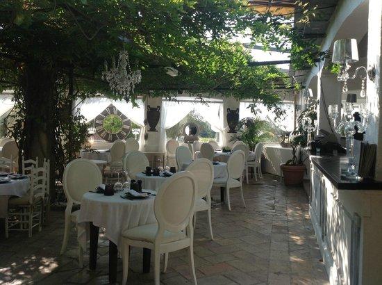 Les Moulins de Ramatuelle : The restaurant