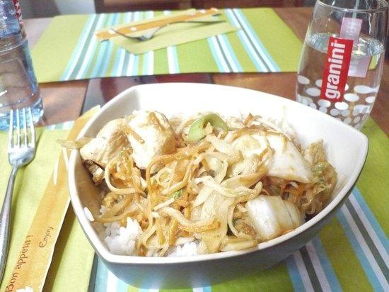 Wok Thai: Thai menu of Chicken with Masaman curry