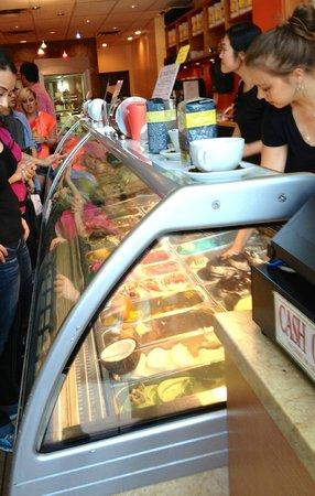 D'oro Gelato & Caffe : Gelato selections