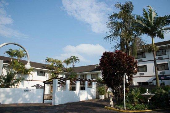 Splendid Inn Pinetown: Hotel Exterior