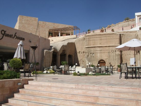 Crowne Plaza Resort Petra: Hotel Front