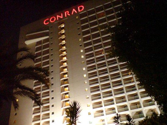 Conrad Cairo: Facciata Conrad Hotel