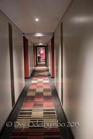 Eka Hotel Nairobi: Corridor