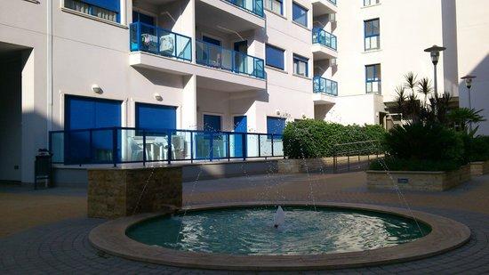 Apartamentos Turísticos Alicante Hills: Der Innenhof von Alicante Hill Hotel