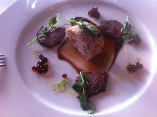 The Mount Restaurant: Chicken and smoked pigeon starter