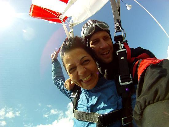 Skydive Interlaken: :o)