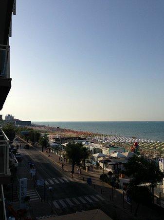 Hotel Touring : vista dalla camera fronte mare