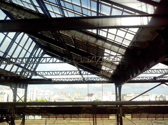 Auberge de Jeunesse Yves Robert : Halle Pajol - Surface des panneaux photovoltaïques