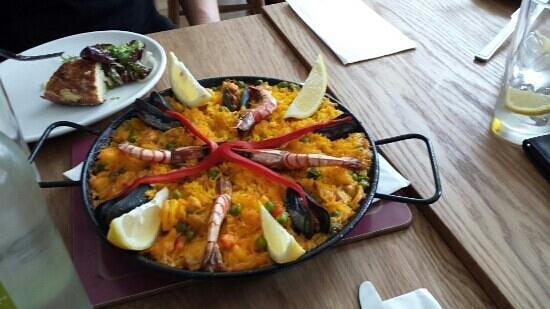 Ole Ole Tapas Bar & Restaurant: amazing Paella we had at Ole Ole