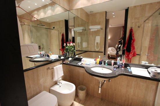 Hotel Alpi: Salle de bain