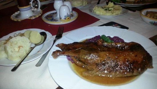 Moravska Restaurant : Czeck tradional half duck with red cabbage and dumplings
