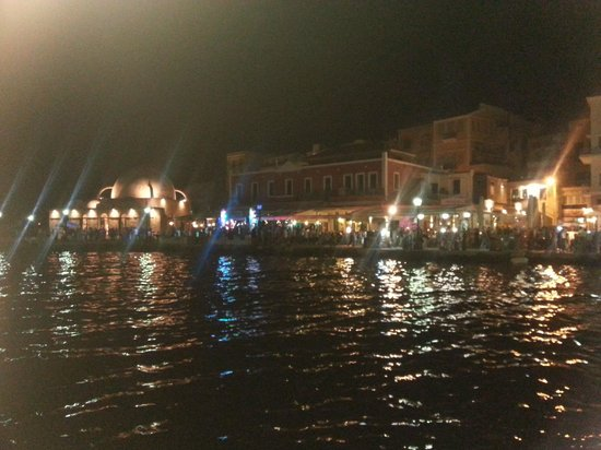 SunCity Hotel Studios: The old harbour at night