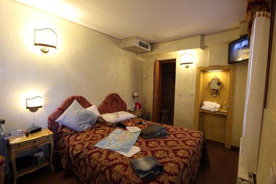 Hotel Locanda Fiorita : Chambre