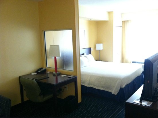 SpringHill Suites by Marriott New Bern: Room to work