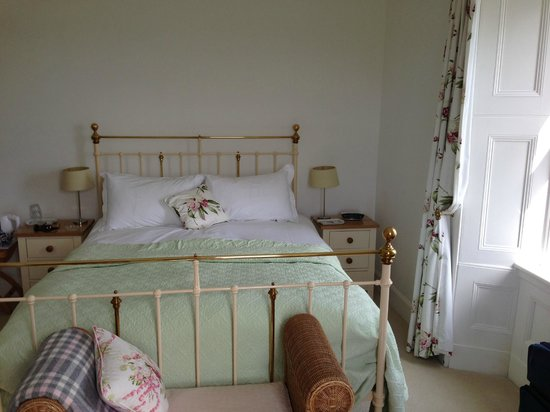 The Old Excise House: Very comfortable bed and high quality bedding.