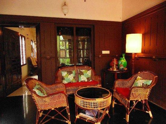 Bella Art & Meditation House: Terrace