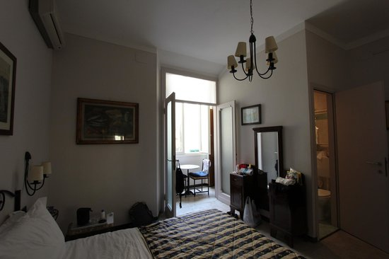 Badia Fiorentina Bed and Breakfast: CHambre et balcon