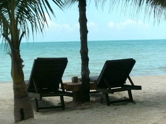 Beachfront La Palapa Hotel Adult Oriented : lounging in the palapa