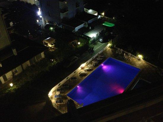 Hotel Mexico : piscina in notturna