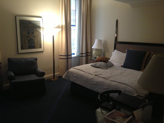 Cincinnatian Hotel: King Room