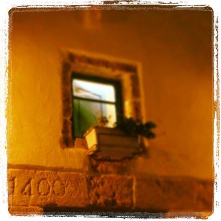 400 Il Ristorantino: Particolare del cortile esterno...