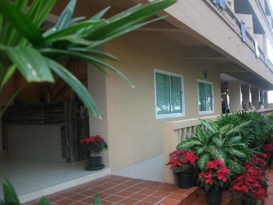 Isawanya Beach Resort