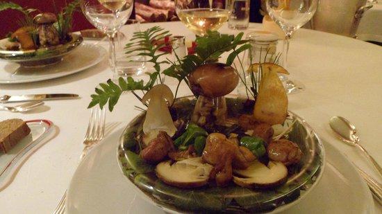 Auberge Du Vieux Puits: plats de champignons