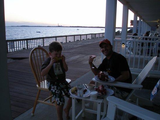 Crow's Nest Resort: dinner on patio