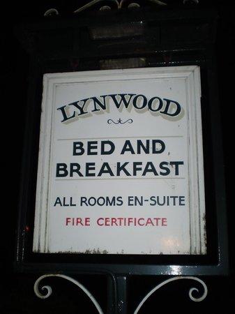 Lynwood Guest House : Lynwood sign