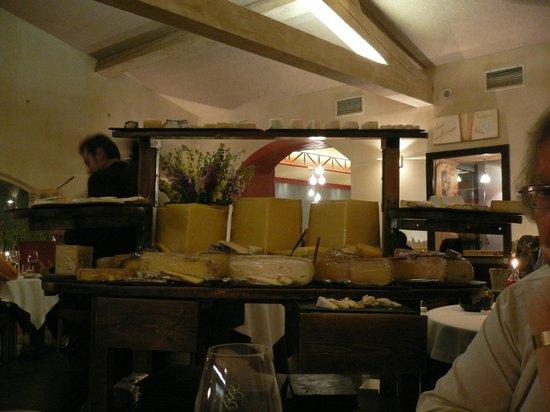 Auberge Du Vieux Puits: plateau de fromages
