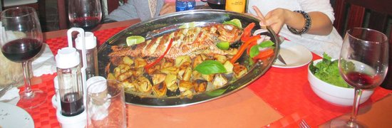 I' Toscano Restaurante Pizzeria: Oven-baked snapper (chill)