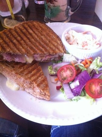George & Dragon: Brie and bacon toastie